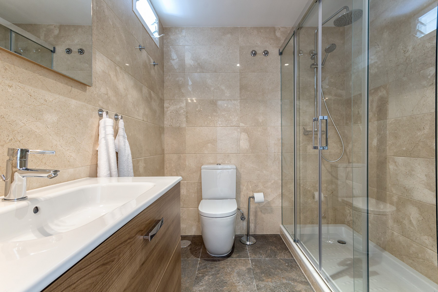 Balkon Met Jacuzzi : Luxury penthouse with jacuzzi in the heart of malaga city centrebritta