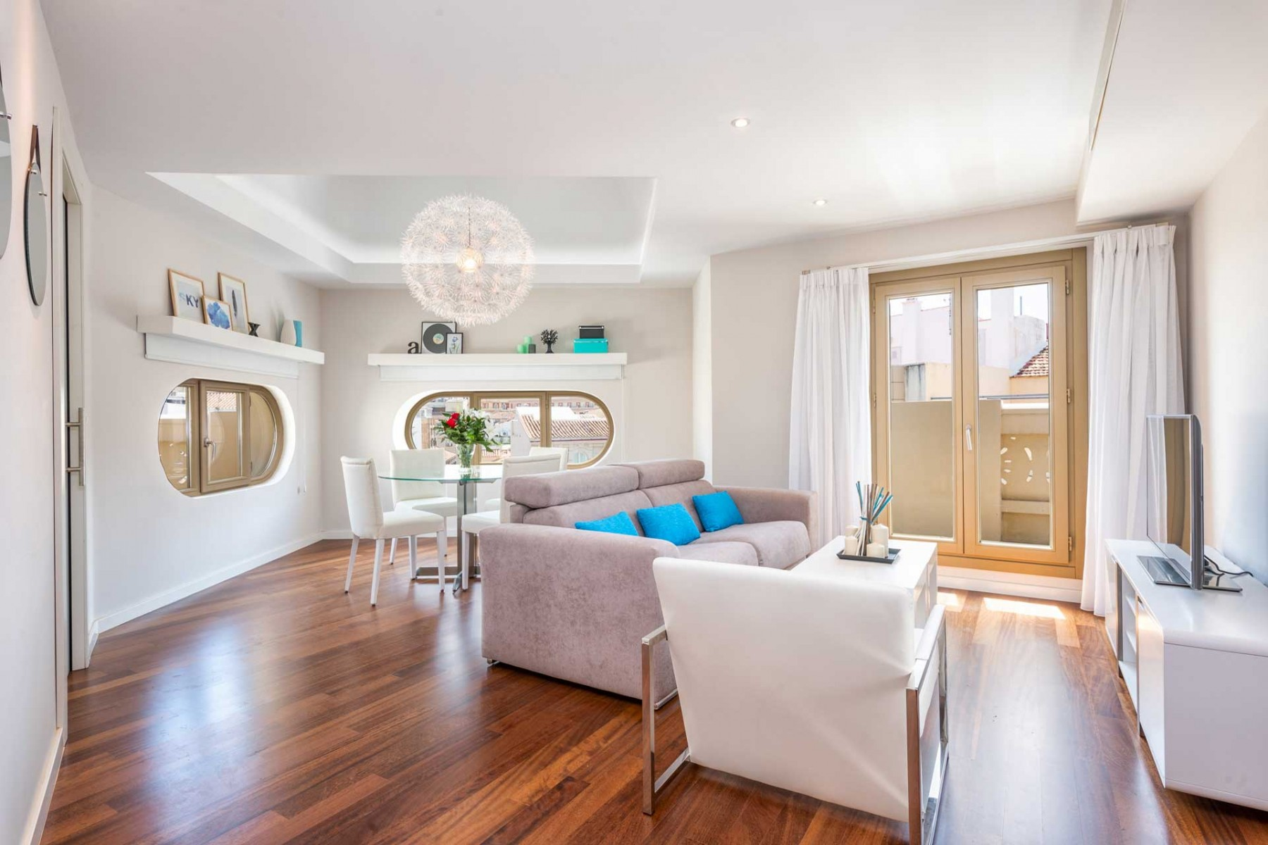 Luxury penthouse flat in the heart of Malaga shopping district
