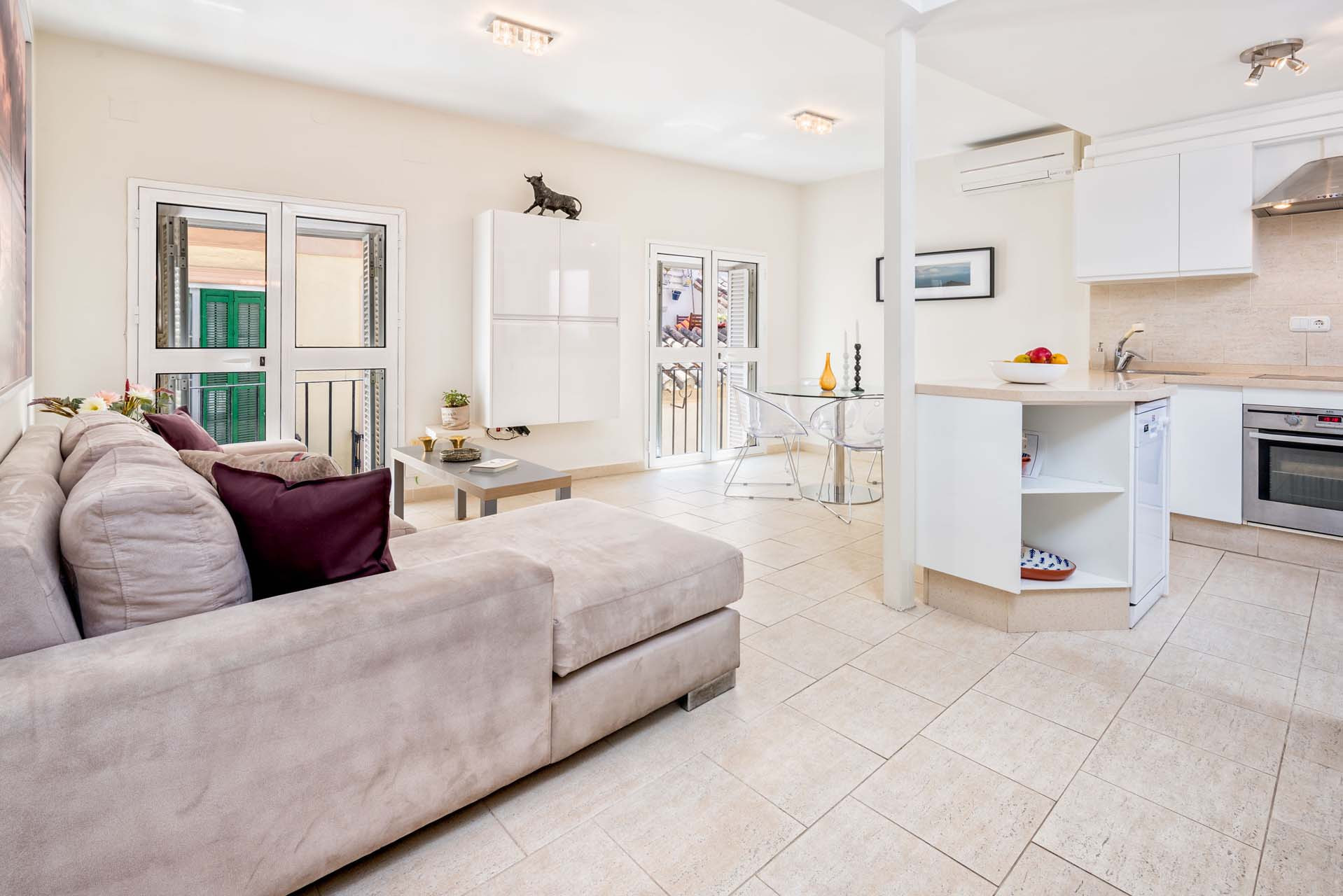 Unique 2-bedroom apartment with beautiful roof terrace in ...