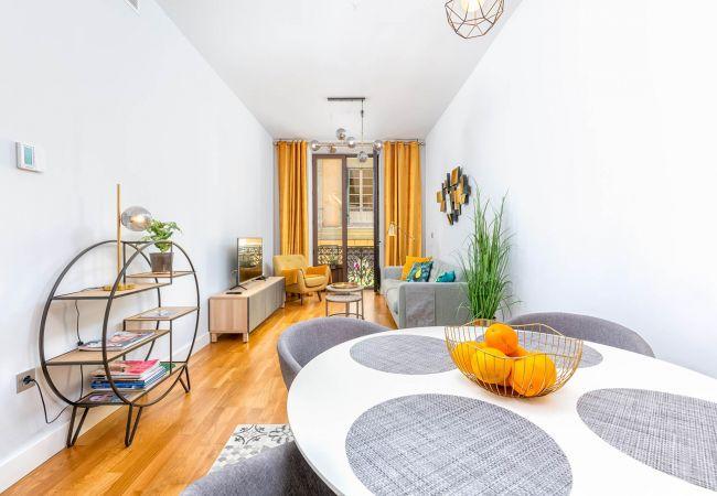 in Málaga - Camas - Holiday apartment in Malaga City
